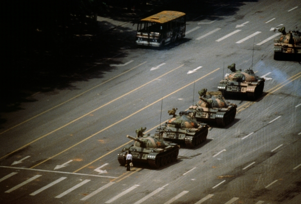 sign_authority_deviant_Jeff Widener_Tank_Man_on_Tiananmen_Square_Beijing_1989_03