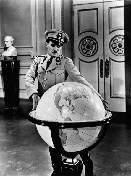 sign_authority_staging_Charlie_Chaplin_The_Great_Dictator_1941_03