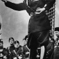 sign_authority_staging_Mussolini_02