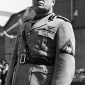 sign_authority_staging_Mussolini_09