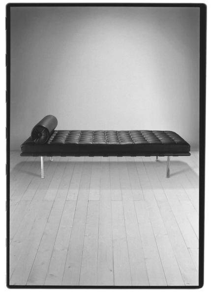 1929_Ludwig_Mies_Van_der_Rohe_Barcelona_Daybed_1929