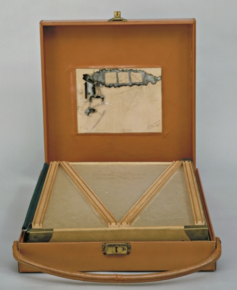 Marcel_Duchamp_Box_in_a_Valise_From_or_by_Marcel_Duchamp_or_Rrose_Selavy_1935-1941_02