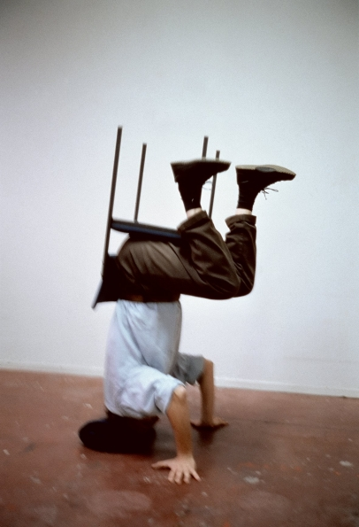 Erwin_Wurm_One_Minute_Sculpture_1997_01