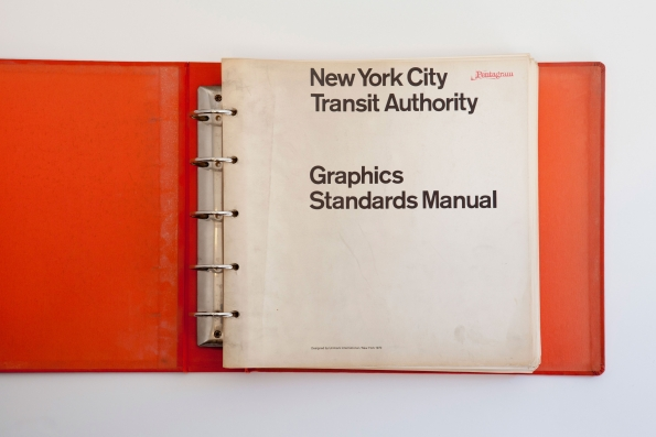 Massimo_Vignelli_NYCTA_Graphics_Standards_Manual_001