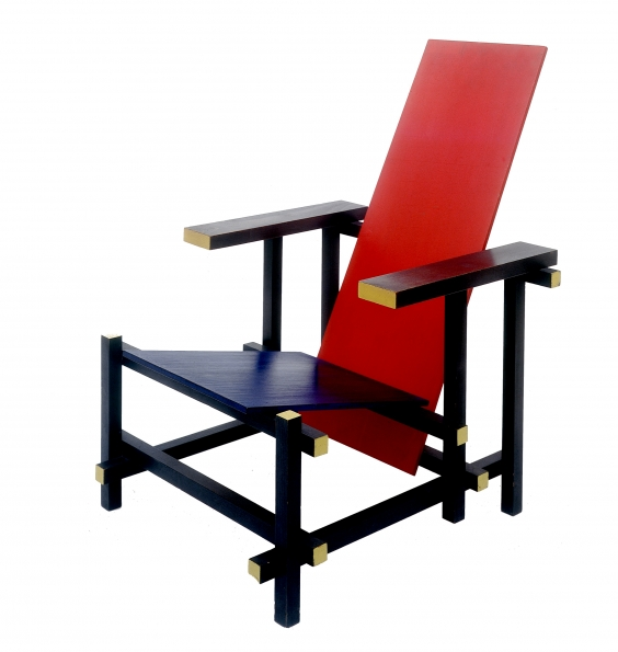 1918_Gerrit_Rietveld_Red_and_blue_armchair_1918_01