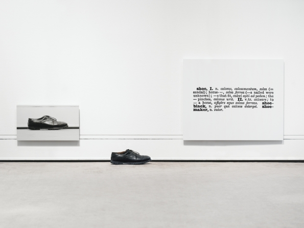 Joseph_Kosuth_one_and_three_shoes_1965
