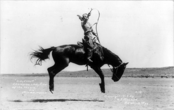 1919_Kitty_Canutt_Champion_lady_rider_of_the_world_on_Winnemucca_circa_1919