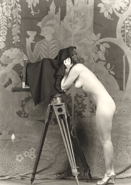 1920_Alfred_Cheney_Johnston_Woman_with_camera_1920