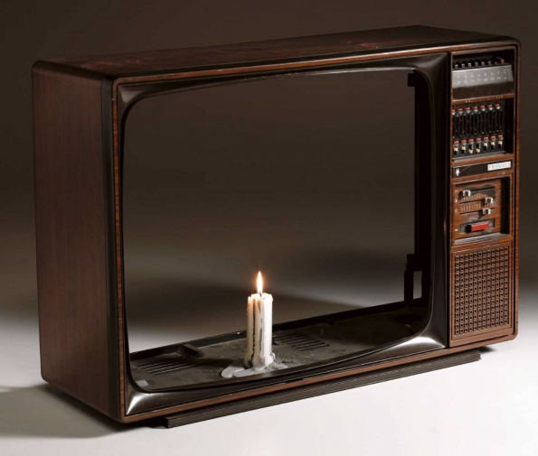 Nam_June_Paik_Candle_TV_1990_Edited_by_the_artist_from_the_1975_version