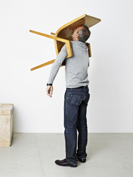 Erwin_Wurm_One_Minute_Sculpture_The_Idiot_III_2010
