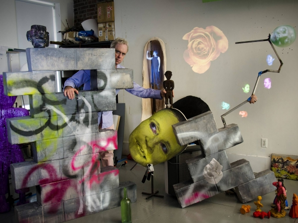 Tony_Oursler_studio